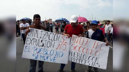 Niño costero | Bloquearon Panamericana Norte para exigir limpieza de quebrada