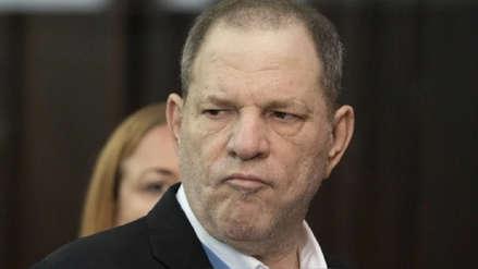 Harvey Weinstein es acusado de agredir sexualmente a una joven de 16 años