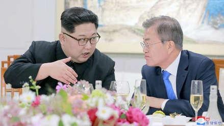 """Moon Jae-in dice que la visita de Kim Jong-un a Seúl será """"pronto"""""""