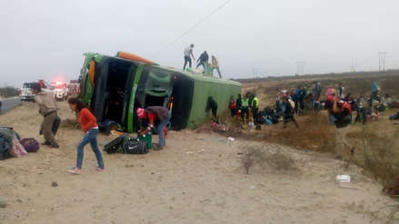 Accidente | Bus con decenas de inmigrantes venezolanos se volcó en Lambayeque