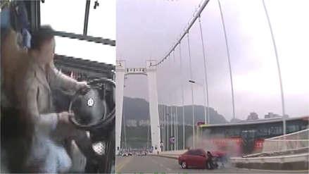 Pelea entre chofer y pasajera provocó que bus cayera al río en China y muriesen sus 15 ocupantes