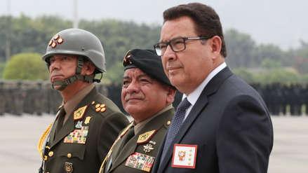 """Ministro de Defensa rechaza versión sobre golpe de Estado: """"Las FF.AA. son defensoras de la democracia"""""""