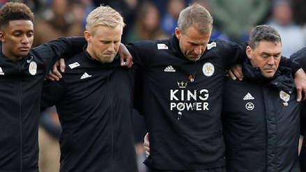 El emotivo minuto de silencio del Leicester por la muerte del presidente del club