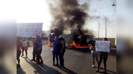 Manifestantes queman llantas y toman Vía de Evitamiento por una hora