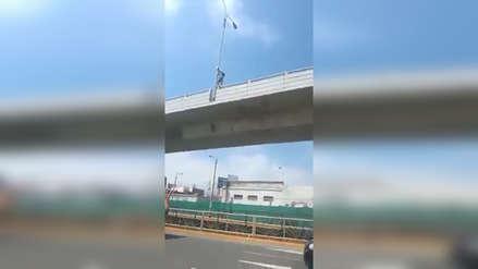 Policía frustra suicidio en baipás de Mansiche