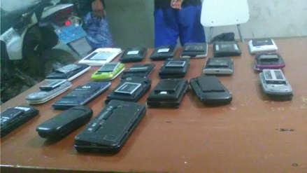 Operativo: Policía detiene a dos jóvenes con 21 celulares robados