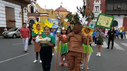 Desfilan contra la deforestación en Trujillo