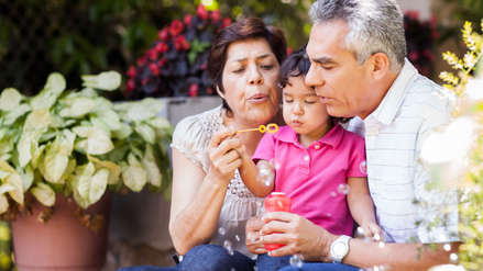 Los factores socioeconómicos determinan más la longevidad que los genes