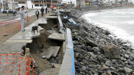 Con sacos de arena enfrentan el oleaje en Huanchaco