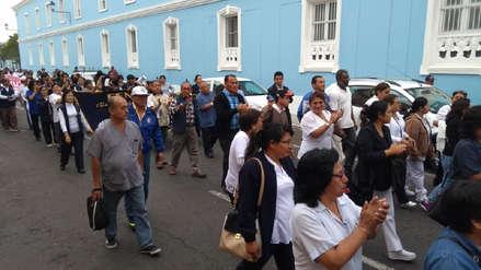 Trabajadores de Salud inician huelga en La Libertad