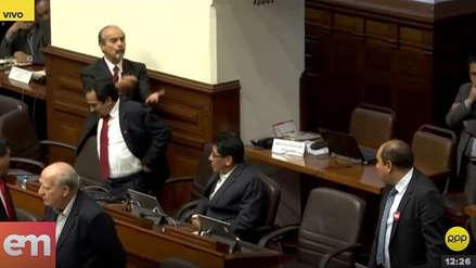 Apristas tuvieron fuerte discusión con congresistas de Nuevo Perú [VIDEO]