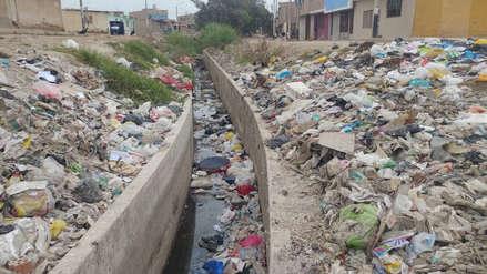 Basura ahora afecta canales y acequias en Chiclayo