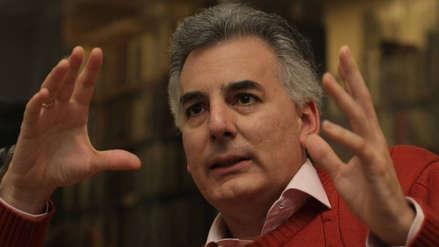 """Álvaro Vargas Llosa advierte que en Perú aún no hay """"figuras políticas de recambio"""""""