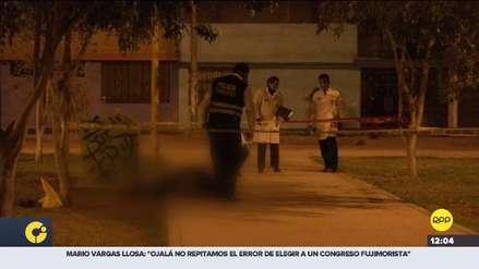 Hombre murió de un disparo mientras bebía licor en un parque de Carabayllo