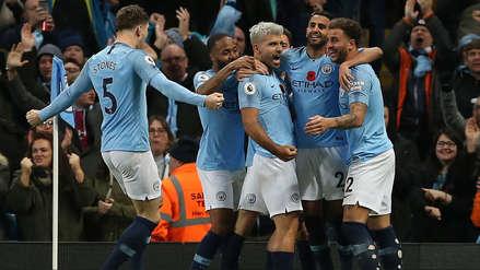 Manchester City derrotó al Manchester United y sigue como líder de la Premier League
