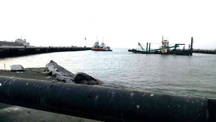 Reabren puertos de Salaverry y Morín tras oleaje anómalo