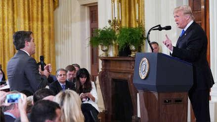 CNN demandó a Donald Trump por retirar acreditación a periodista tras fuerte discusión