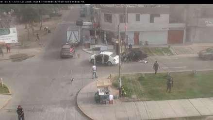 Video   Cámaras de vigilancia captan los momentos de pánico durante balacera en Los Olivos
