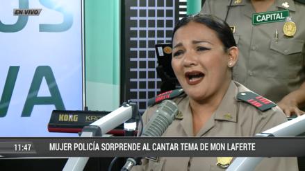 Mujer policía deleitó con magistral interpretación en vivo del tema de Mon Laferte