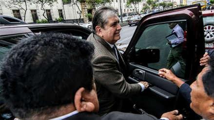 Fiscalía solicitó impedimento de salida del país para Alan García