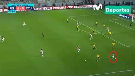 Perú vs. Ecuador: la gran corrida de Luis Advíncula para recuperar el balón