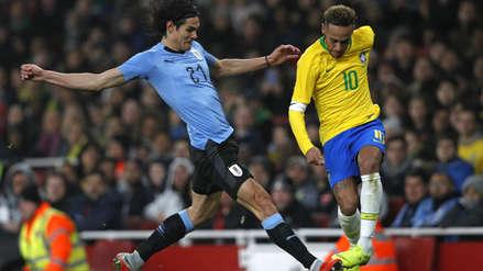 Neymar y su 'huacha' a Edinson Cavani que terminó en una fuerte falta