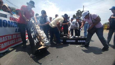 Lambayeque: Trabajadores en huelga del sector Salud toman puente Reque