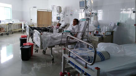 Descuentan sueldos a médicos de Hospital Regional que no van a trabajar