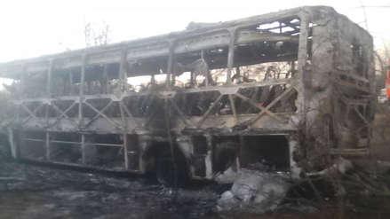 Al menos 42 muertos al incendiarse un autobús en Zimbabue