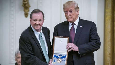 Donald Trump otorgó la Medalla Presidencial de la Libertad a Elvis Presley