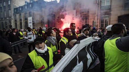 La clase media de Francia se movilizó en todo el país en protestas contra Macron