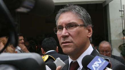 """Aurelio Pastor sobre pedido de asilo: """"¿Allanarse a la Justicia en el Perú? ¿Acaso la hay?"""""""