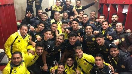 Bailó y cantó: Maradona y su eufórica celebración lograr la clasificación de Dorados  a semifinales