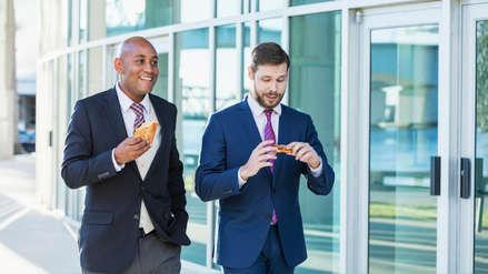 Conoce los beneficios en tu salud de caminar luego del almuerzo