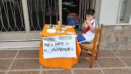 River Plate: niño hincha 'Millonario' vende sus juguetes para ir al Monumental