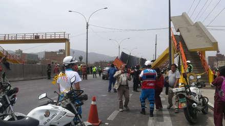 Las imágenes del puente peatonal derribado por un camión en la Panamericana Norte