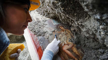 Arqueólogos descubren en Pompeya un fresco erótico del mito griego de