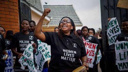 Feminista fue enviada a prisión por insultar al presidente de Uganda en redes sociales