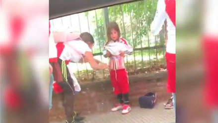 Argentina investiga a mujer que colocó pirotecnia a niño para ingresar a la final Boca-River