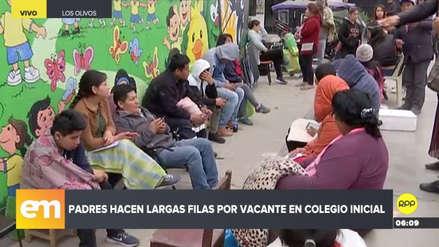 Padres duermen en la calle para matricular a sus hijos en un nido de Los Olivos