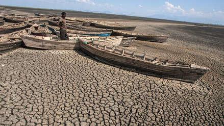 Fotos | Completamente seco: así quedó un lago de África a causa del cambio climático