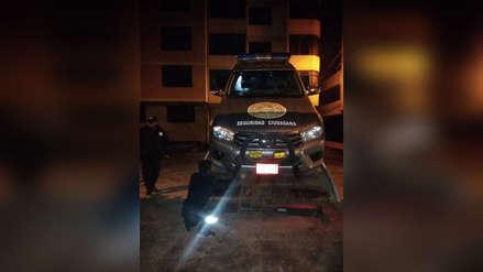 Alcalde y sereno detenidos por tomar cerveza en camioneta de la municipalidad de Chinchero