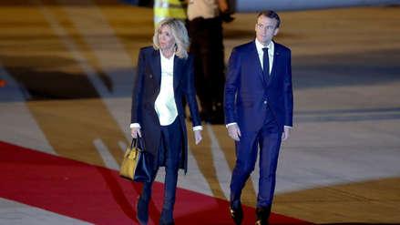 Video | Presidente de Francia llegó a Argentina y solo fue recibido por trabajadores del aeropuerto