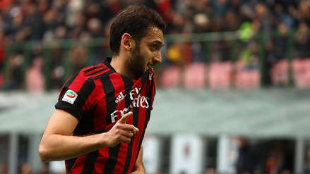 Calhanoglu marcó este golazo de media distancia para el Milan | VIDEO