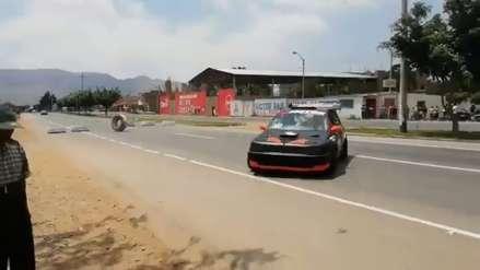 Espectador muere al ser atropellado por auto de carrera en Guadalupe [VIDEO]