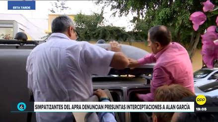 Simpatizantes de Alan García atacaron vehículo por presunto 'chuponeo'