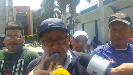 Edwin Oviedo   Trabajadores de Tumán se lanzan huevos en exteriores de Poder Judicial