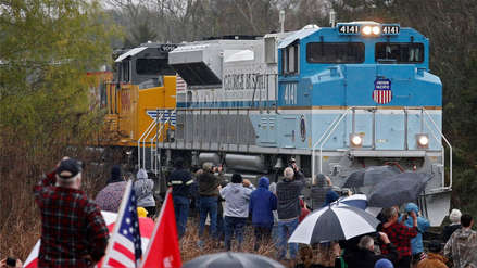 EE.UU. | Así fue el paso del tren que llevó los restos de George H. W.  Bush por calles de Texas