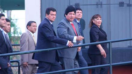 Edwin Oviedo CUELLOS BLANCOS | Franklin Chuquizuta: