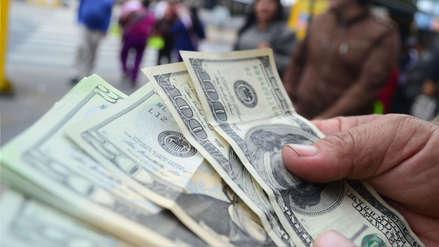 Dólar se mantiene a la baja y cierra el jueves en S/3.375